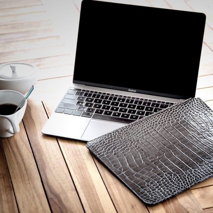 Capa para MacBook - Laranja - Couro Granulado