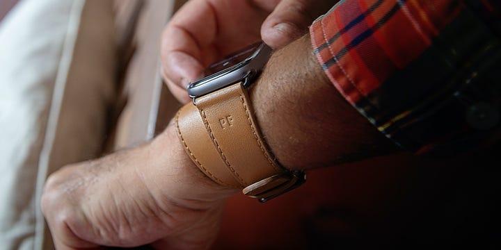 Bracelete de duas voltas para relógio Apple Watch Series 5 - (44 mm) - Natural - Couro Suave
